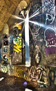 12G1_LoriMitchell_CAVE_GrafittiSunRay