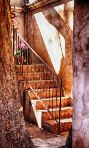 04A1_LindaBryant_CAVE_EnchantedStairwell